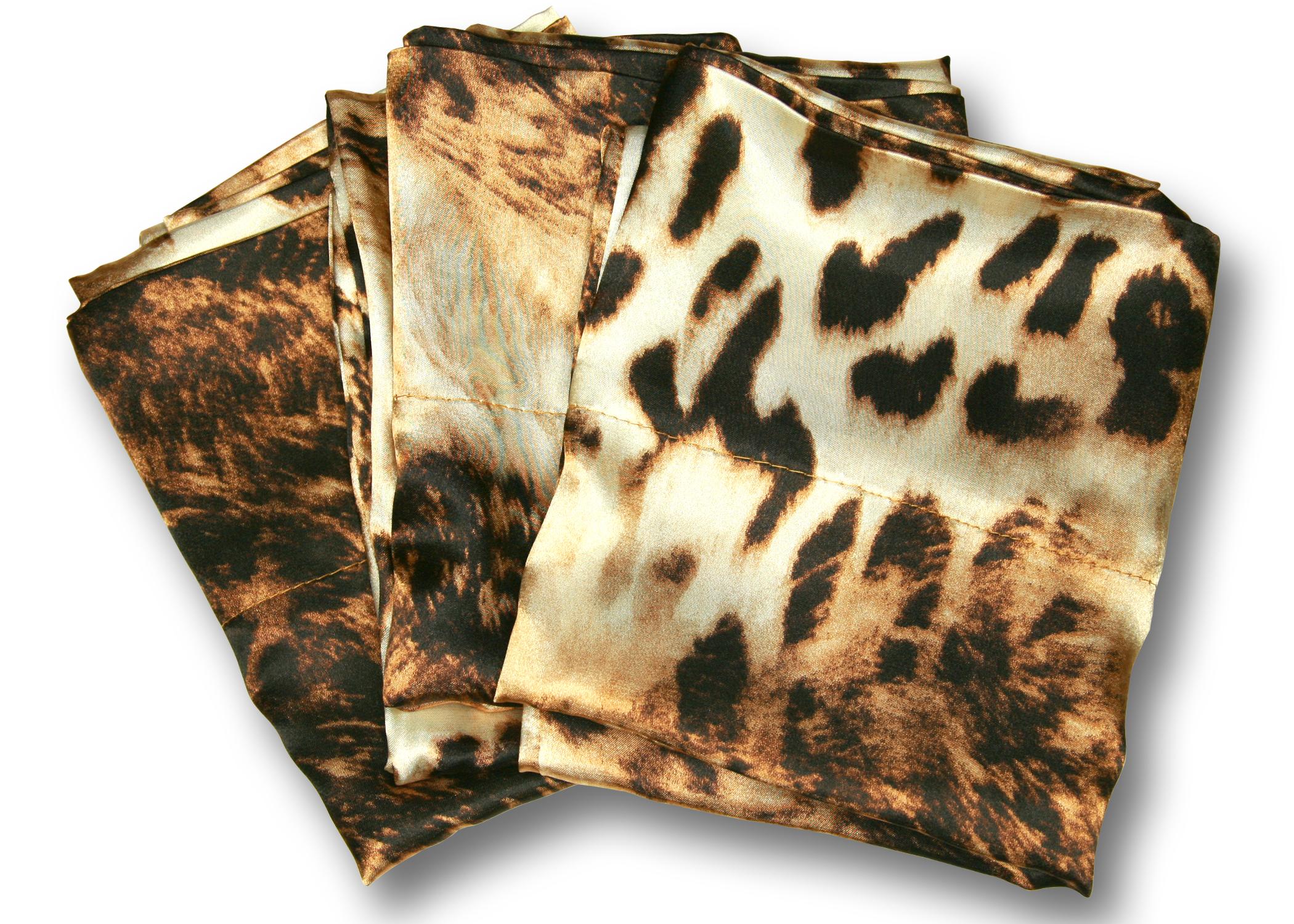 Pllow leopard 1